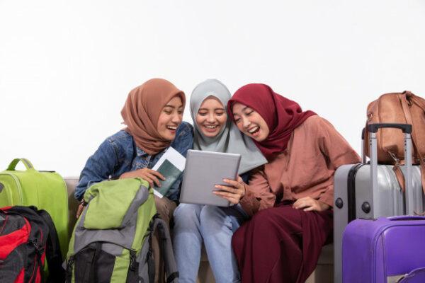 Halal Tourism Atau Moslem Friendly Tourism?