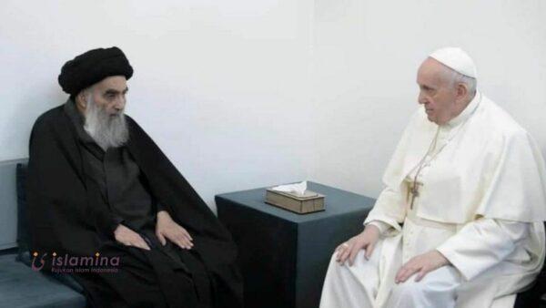 Dibalik Pertemuan Paus Fransiskus dengan Ayatollah Ali al-Sistani