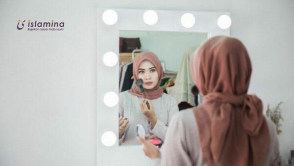 Muslimah Pakai Make Up, So What?