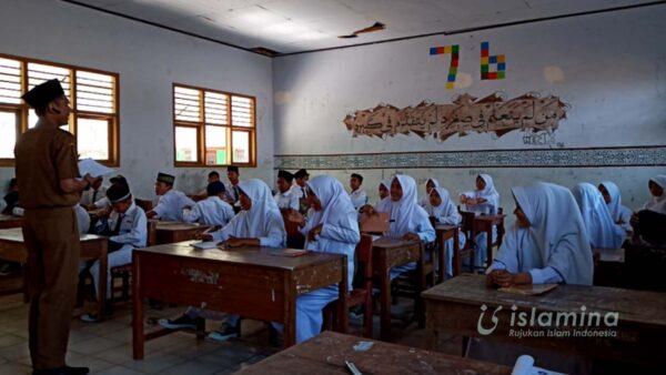 Madrasah Sebagai Basis Pembentukan Karakter Moderasi Beragama